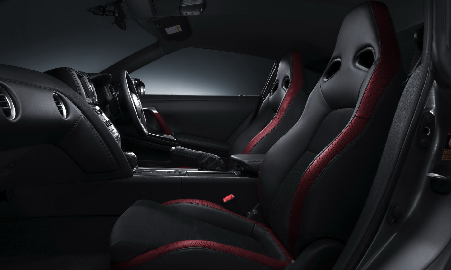 aj nissan gt r. Black Bedroom Furniture Sets. Home Design Ideas